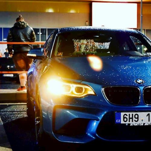 BMW M2 z půjčovny pujcsim5.cz
